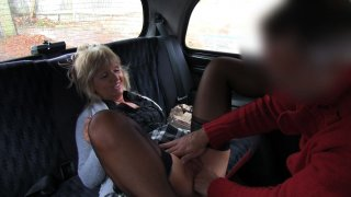 Australian MILF Gives In To Cabbie's Sexual Trade - Fake Taxi