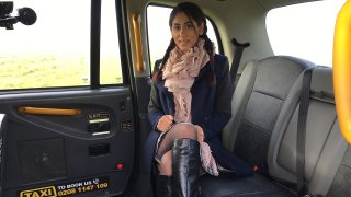 British babe gives great deepthroat - Fake Taxi