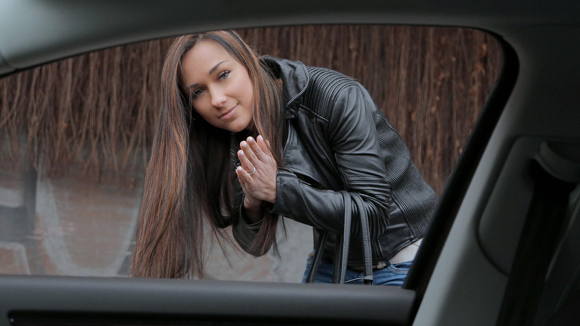 Brunette Gets in a Stranger's Car - Stranded Teens
