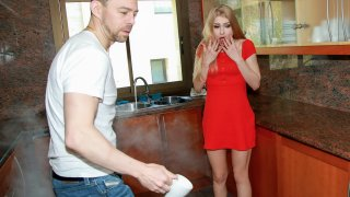 Fire in the Kitchen! - Stranded Teens